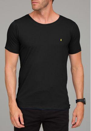 Camiseta Básica Gola CanoaPreta