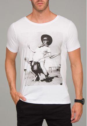 Camiseta Sentada